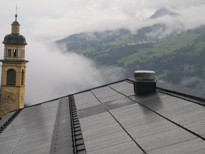 Dachsanierung Schulhaus 63 kWp